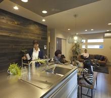 モデルハウスは延床面積約30坪。マイホームをイメージしやすいサイズなのが嬉しい。