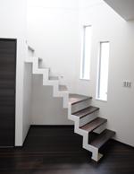 階段は鉄骨で作製してもらいました。