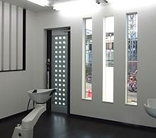 1階は店舗部分で理髪店になっています。何度も設計士さんと打合せしました。