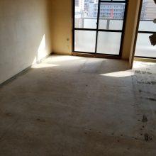 解体中の写真。 こんなお部屋が…可愛く素敵な空間に生まれ変わりました。