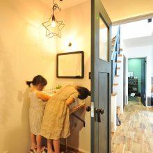 外で遊んで帰ると玄関でキレイに手を洗う習慣が身について、いつも清潔。